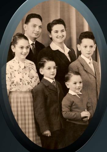 Loulou Grosrenaud et sa famille.jpg